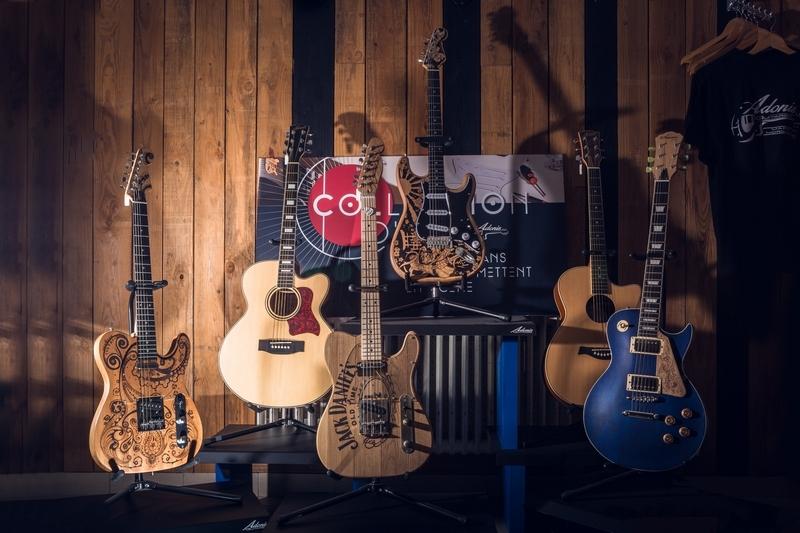 05022020-ADONIS Guitare_matpix studio6