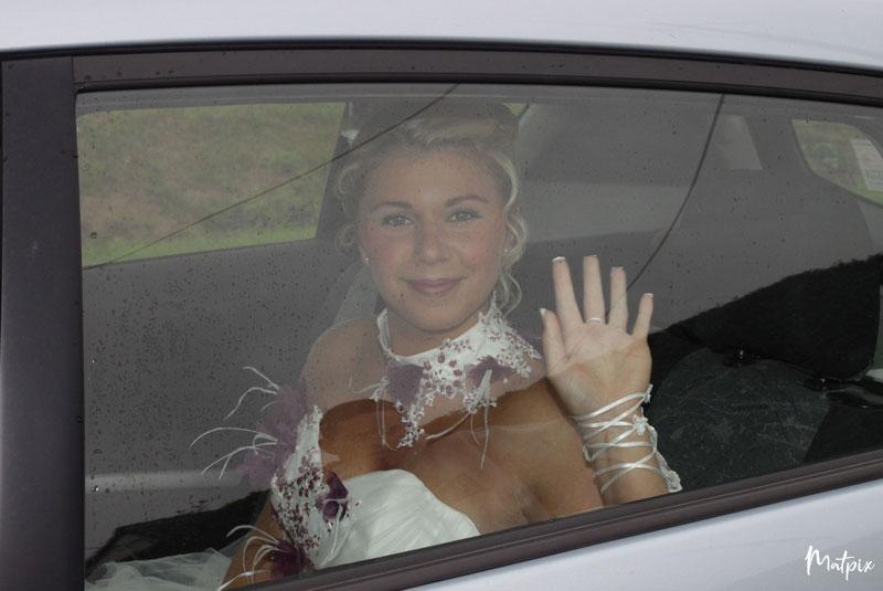 voiture-mariés-mariage-normandie-matpix_studio