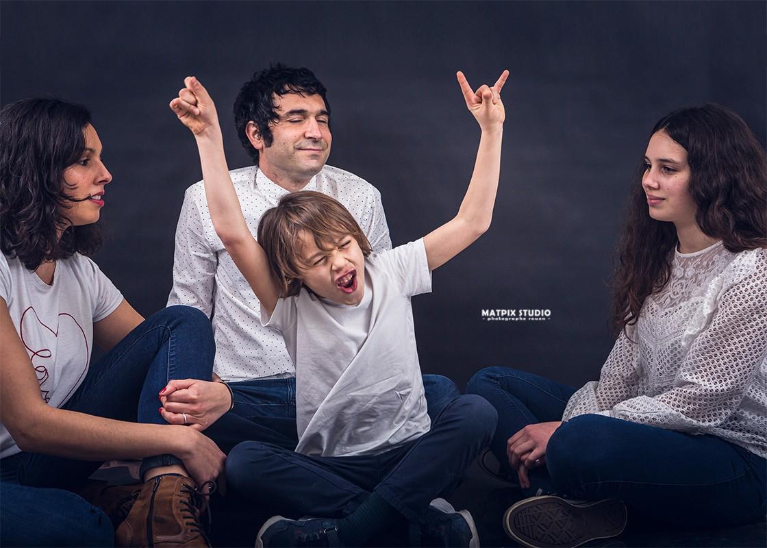 img-page-seance-famille-photographe-rouen-matpix-studio
